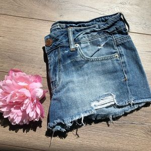 American Eagle Outfitters Frayed Denim shortShorts
